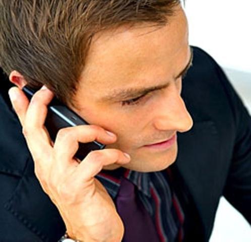 رابطه مغز و دست راست هنگام استفاده از تلفنهمراه