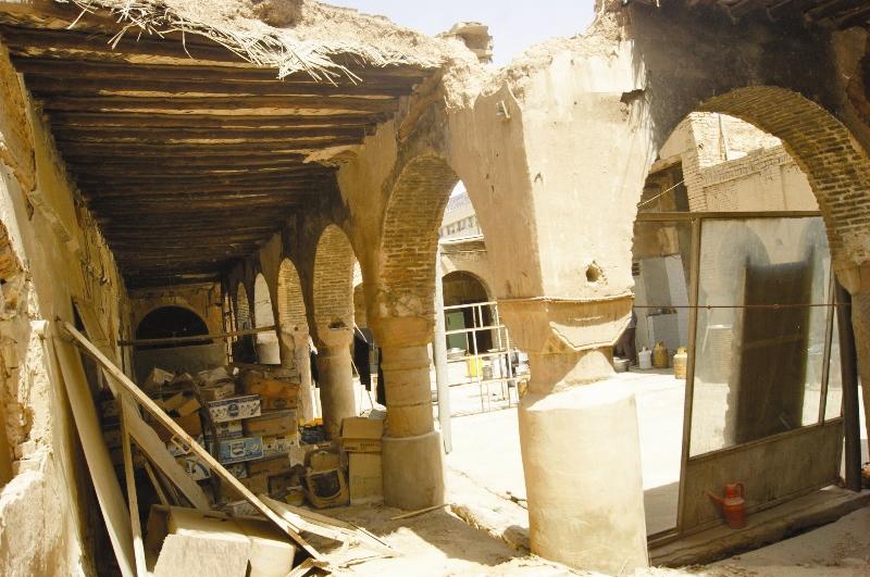 تخریبها دامنگیر سرای تاریخی عجم اهواز شد