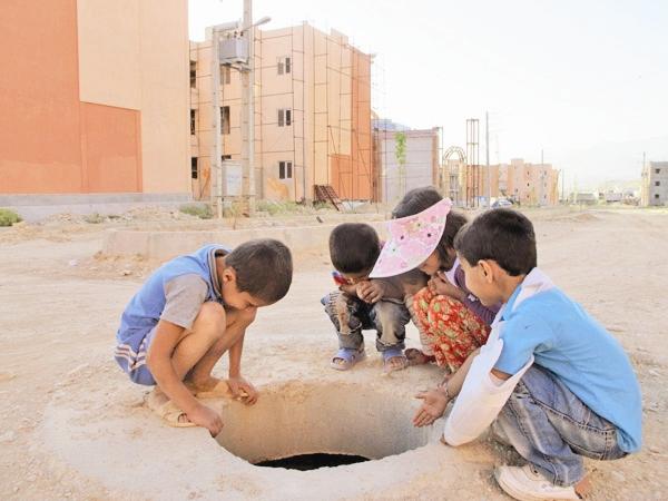 سقوط یک کودک به چاه در اطراف مسکن مهر نیمه کاره