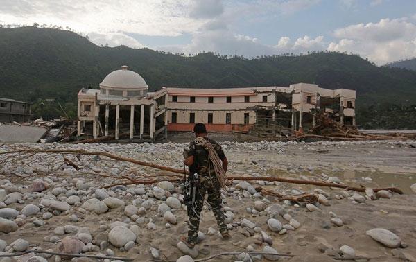 تصاویر سیل در شمال هند؛ شمار کشتهها به 6500 نفر رسید