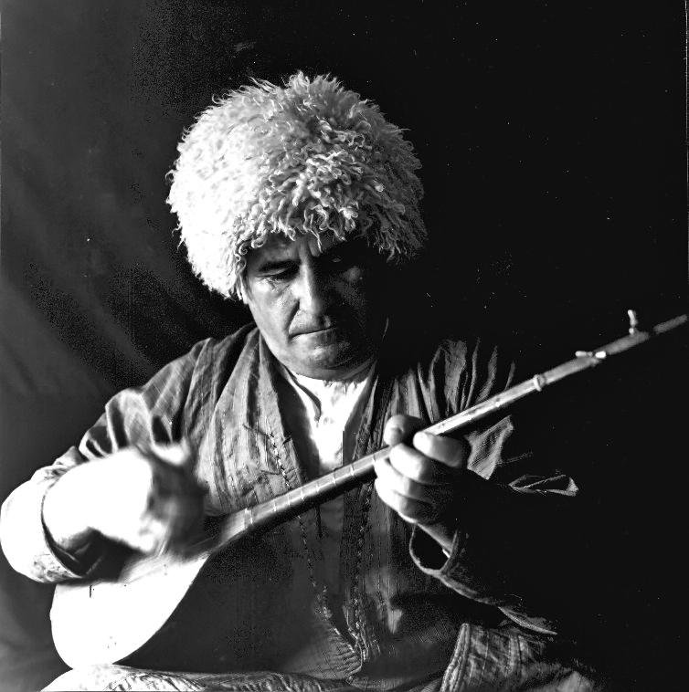 قلیچ انوری از مفاخر موسیقی ترکمنصحرا