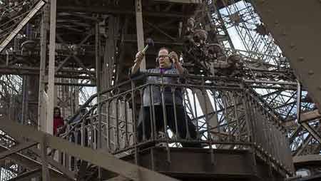 گزارش تصویری ؛ برج ایفل موسیقی میشود