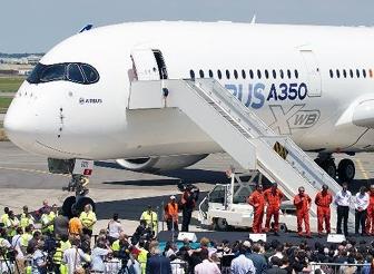 ایرباس A350 با موفقیت پرواز کرد