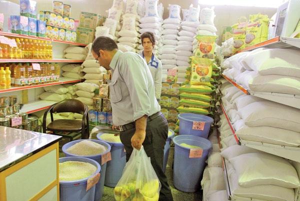 وعده دولتیها برای کاهش قیمت کالاهای اساسی