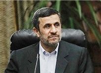 احضار احمدینژاد به دادگاه با شکایت لاریجانی