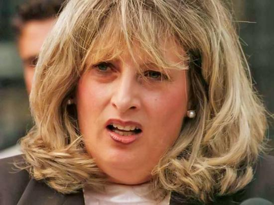 لیندا تریپ؛ بحرانساز برای کلینتون
