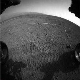 طی یک کیلومتر از مسیر 8 کیلومتری مریخ نورد کنجکاوی