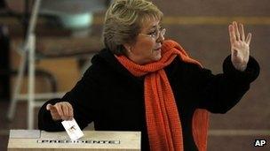 برد باچلت در مرحله ابتدایی انتخابات شیلی