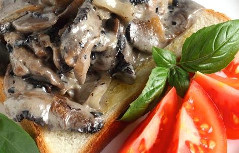 آشنایی با روش تهیه قارچ سرخ کرده با نان تست