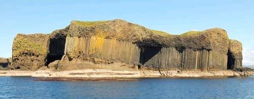آشنایی با جزیره ستونی استافا