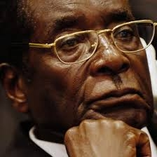 نتایج اولیه از پیروزی موگابه در انتحابات ریاست جمهوری زیمباوه حکایت دارد