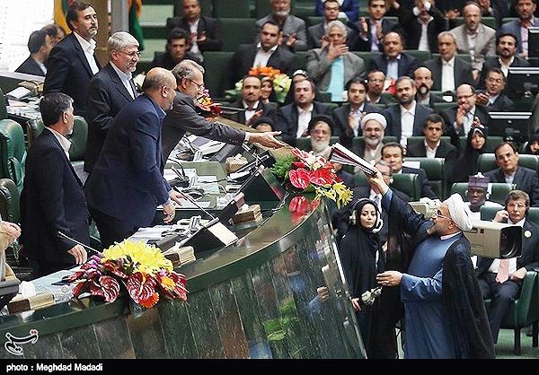 روحانی وزرای پیشنهادی دولت یازدهم را به مجلس معرفی کرد