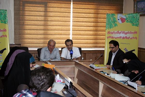 نشست مطبوعاتی آقای رحماندوست و غلامرضا امامی در موسسه نشر شهر