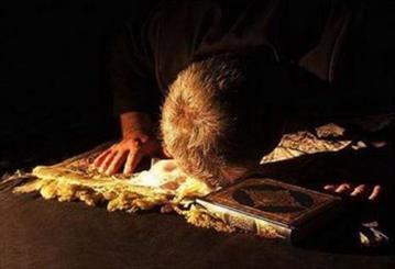امام صادق (ع) شرف و عزت مومن را در چه میداند