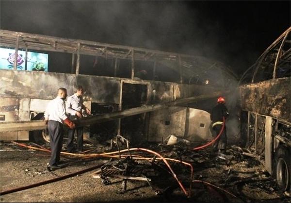 اخبار وتصاویر برخورد۲اتوبوس دربزرگراه قم-تهران؛ ۸۸کشته و زخمی