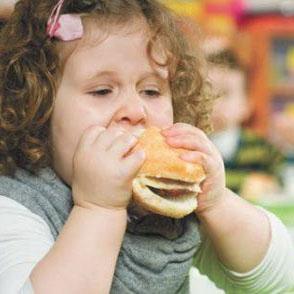 پرخوری بزرگسالی نتیجه استرس دوران کودکی