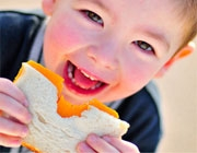 آشنایی با نقش پنیر به مثابه منبع انرژی کودکان
