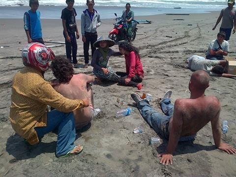غرق شدن کشتی مهاجران لبنانی در آبهای اندونزی؛۲۱ کشته و ۲۹ ناپدید