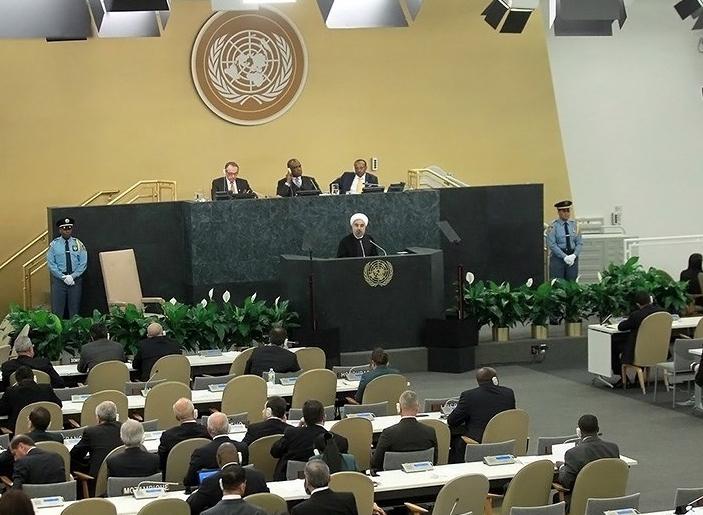 تصاویر سخنرانی رییس جمهور در مجمع عمومی سازمان ملل