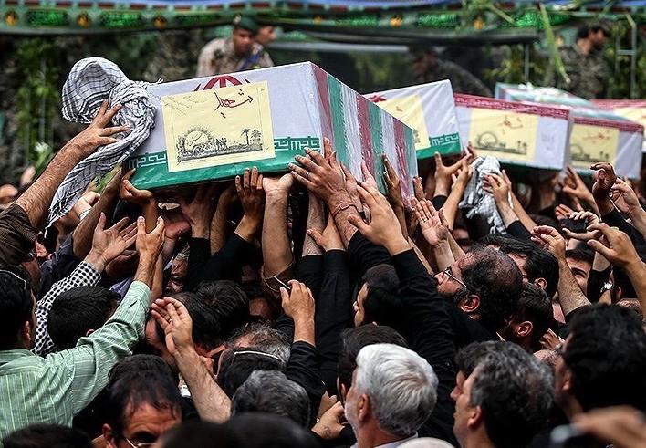 تصاویر بدرقه کاروان ۹۲ شهید دوران دفاع مقدس در تهران
