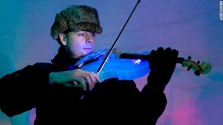 اجرای کنسرت ارکستر یخی در سوئد