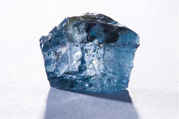 کشف الماس آبی ۳۰ قیراطی در آفریقا