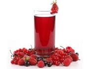 آب میوهجات قرمز رنگ