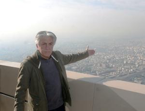 تصاویری از کیانیان و روزنامهنگاران در برج میلاد
