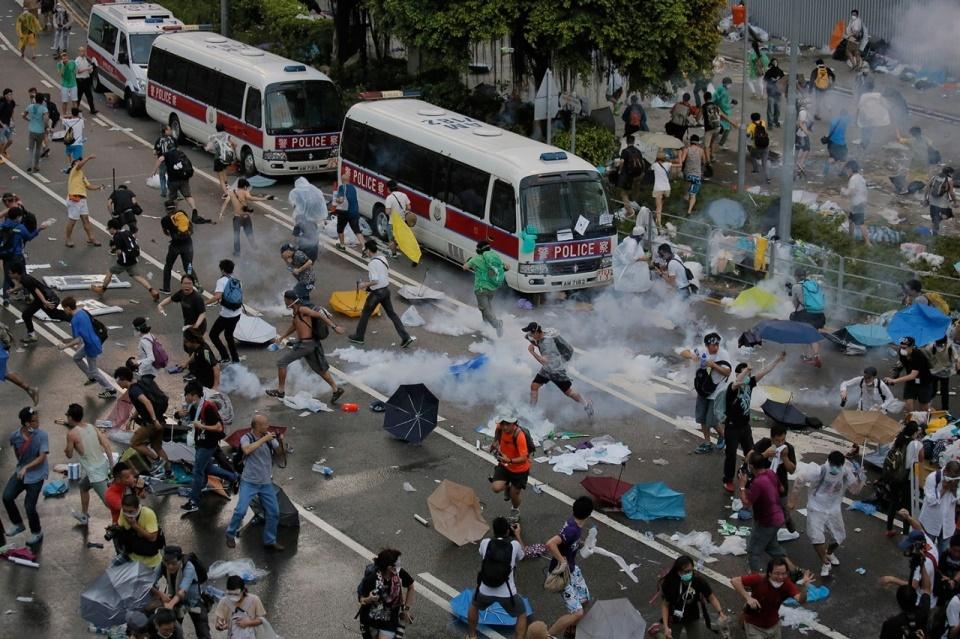 خشنترین روز اعترضات در هنگ کنگ