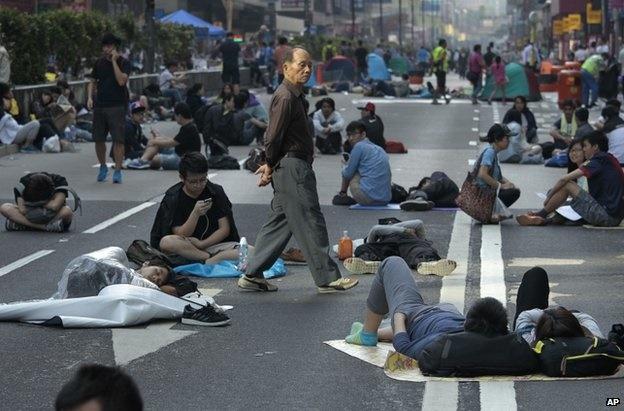 بازگشت دوباره معترضان هنگکنگی به خیابانها