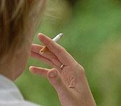 سیگار نکشید؛ دست کم انگور و پرتقال بخورید