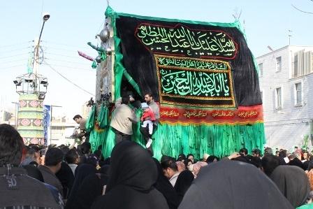 آشنایی با آیین نخل گردانی در شهر خمین