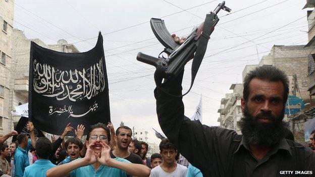 حمله همزمان داعش و صهیونیستها به مرز لبنان