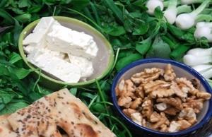 آشنایی با علت خوردن  پنیر و گردو با هم