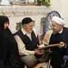 روحانی: از دیدار با خانواده شهدا، ایثارگران و جانبازان ، روحیه و قوت می گیرم