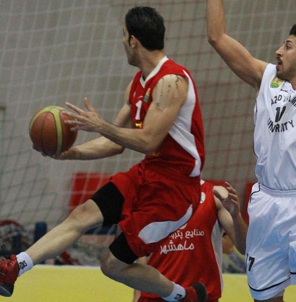 تصاویر دیدار بسکتبال دانشگاه آزاد و پتروشیمی بندر ماهشهر