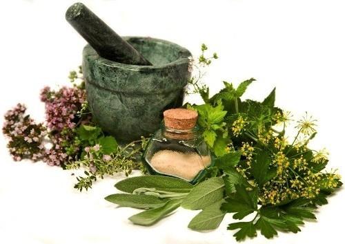 آشنایی با چند روش طبیعی برای رفع گلودرد