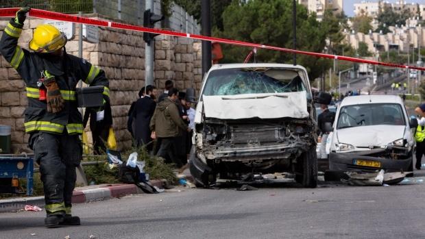 یک جوان فلسطینی با خودرو ۱۰ صهیونیست را در قدس زیر گرفت