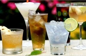 نوشیدنیهای مضر و مفید را بشناسید