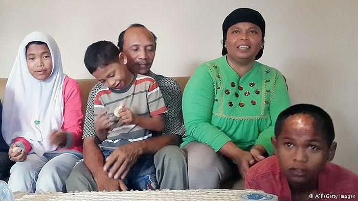 ماجرای بازگشت دو کودک به آغوش خانواده ۱۰ سال پس از سونامی اندونزی