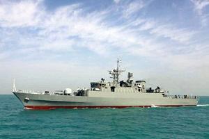عملیات شناسایی ناوشکن جماران و بوشهر؛ جابجایی سریع تجهیزات نزاجا