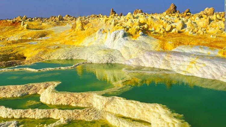 رنگارنگترین مناطق جهان را ببینید