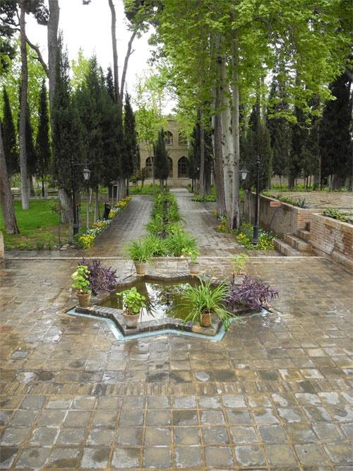 آشنایی با باغ نگارستان