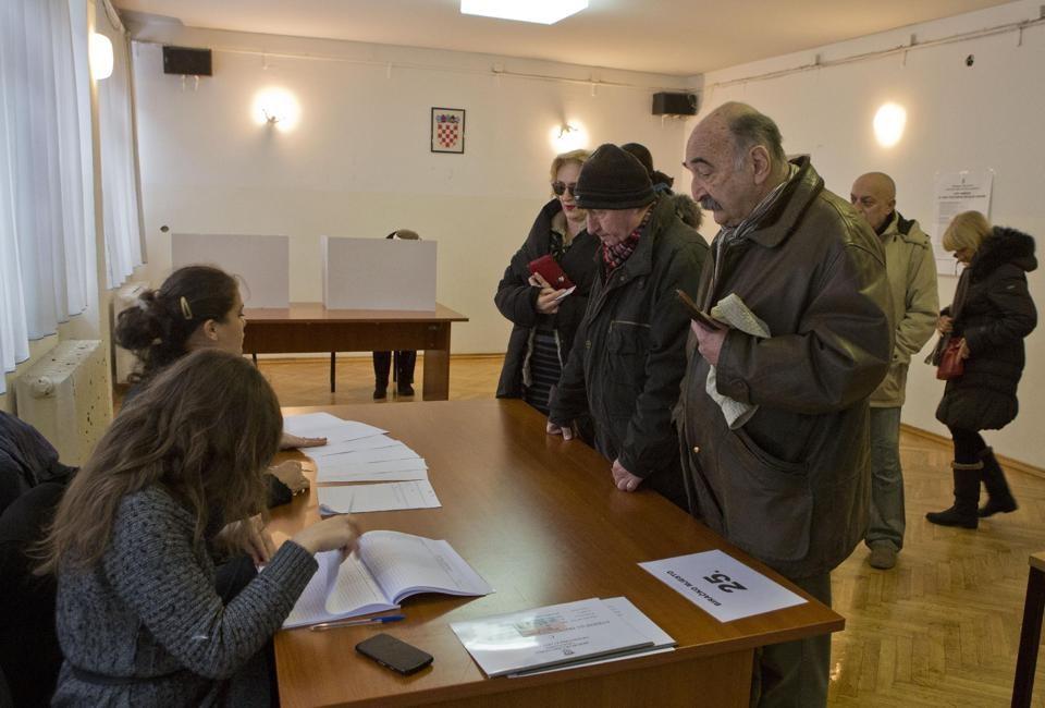 انتخابات ریاست جمهوری کرواسی به دو ردوم کشیده شد
