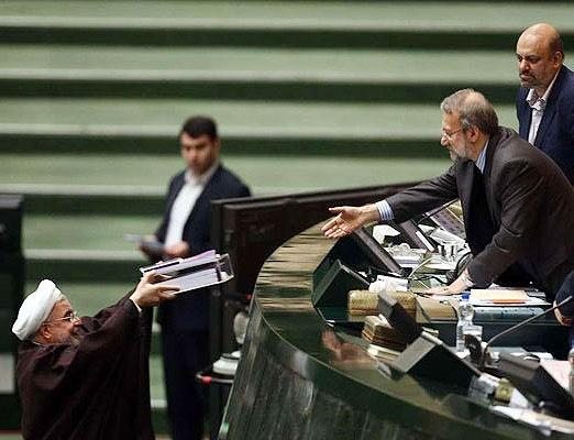 تقدیم لایحه بودجه به مجلس؛ روحانی: پیشبینی میکنیم تورم به کمتر از ۲۰ درصد برسد