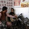 آموزش رانندگی زن افغان