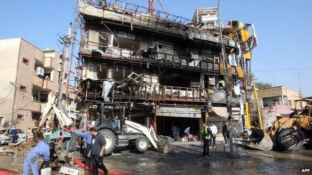 ۴۹ کشته و بیش از ۱۰۰ زخمی در انفجارهای خونینِ ۳ استان عراق