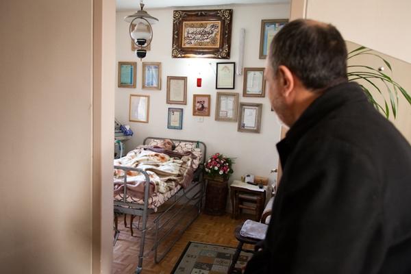مسجدجامعی در منزل حسین پرتوی عکاس بیعت تاریخی همافران با امام