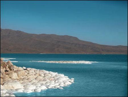 ژاپنیها با هدف ارایه راهکار احیا از دریاچه ارومیه دیدن میکنند