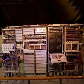 جشن تولد ۷۰ سالگی نخستین رایانه جهان